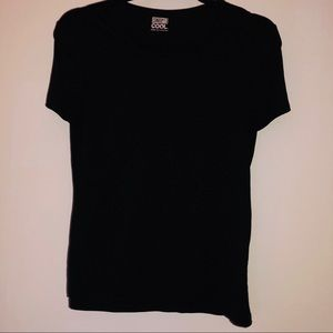 Two 32 Degrees T-shirt Scoop Neck